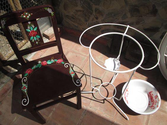cadeira vintage e lavatório vintage reciclados