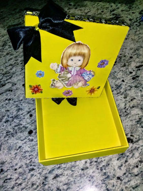 Ateliê Camilo's: Caixinha amarela com decoupagem