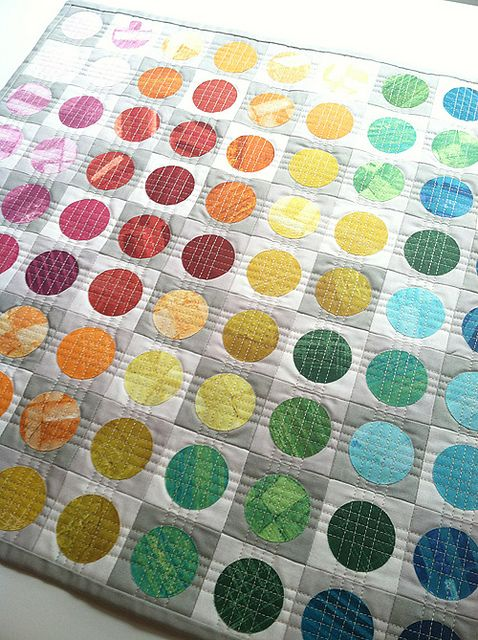 "The quilting here is just fantastic! ""Circular Edges Mini Quilt"" by Faith of Fresh Lemons.:"