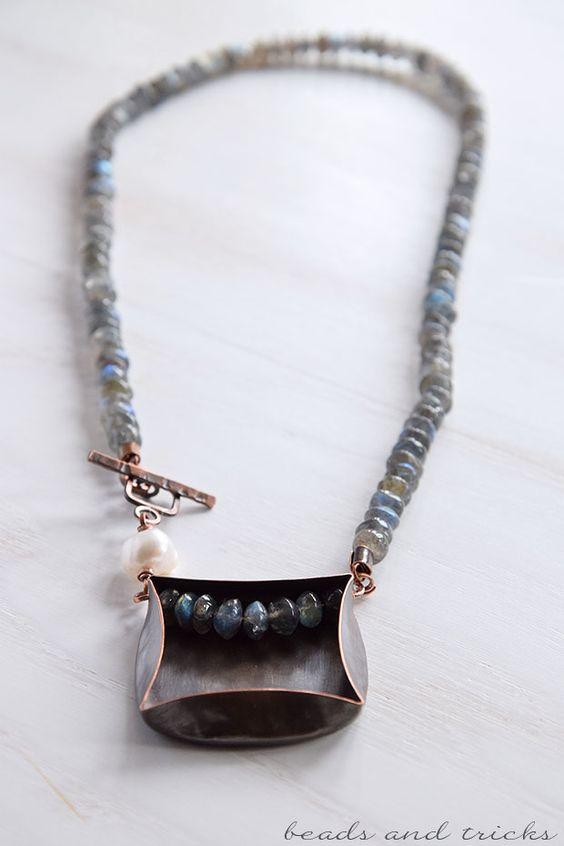 Collana in rame fatta a mano con labradorite e perla coltivata