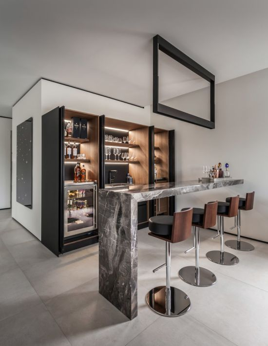 Contemporary Home Bar Ideas From 2id Interiors In 2020 Home Bar Decor Home Bar Designs Modern Home Bar