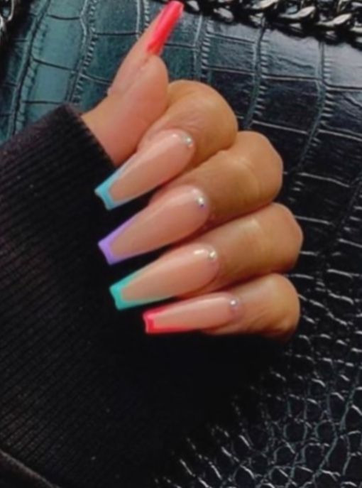 Nail Acrylic Round French Tip Nailart Manicure Summernails Pretty Acrylic Nails Best Acrylic Nails Colored Nail Tips
