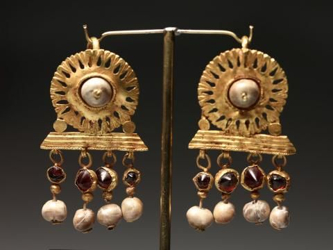 A Pair of Roman Gold Earrings, Roman, ca. 3rd Century A.D.: