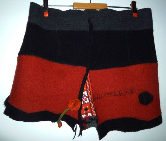 MORGANA ROT Rock Minirock Hüftschmeichler Filz felted Gr. 40 / 42 / 44 in Kleidung & Accessoires, Damenmode, Röcke | eBay