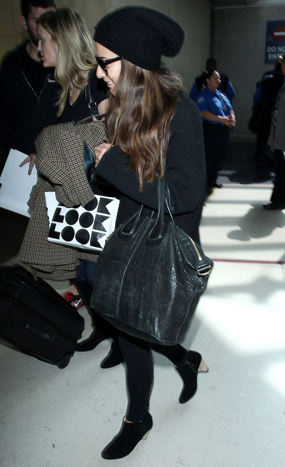 le-michele-arrives-at-jfk-airport-in-new-york_5.jpg (1200×1966)