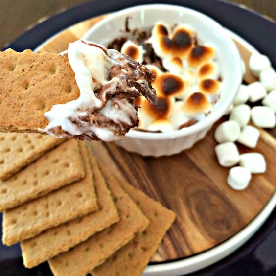 Nutella s'mores dip recipe.  Are you kidding me?! Only 3 ingredients too!