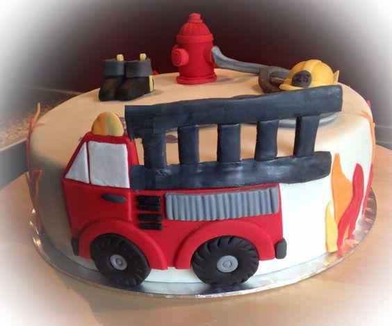 feuerwehr torte firetruck cake mit fondant fondant torten eulentorte ...