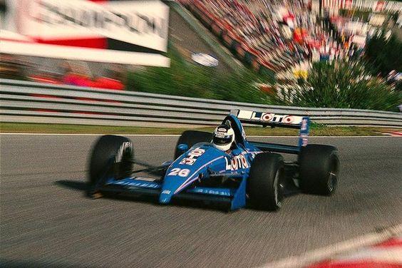 Muy interesante fotografía del Ligier Judd JS31 de Stefan Johansson durante el Gran Premio de Bélgica en Spa Francorchamps 1988