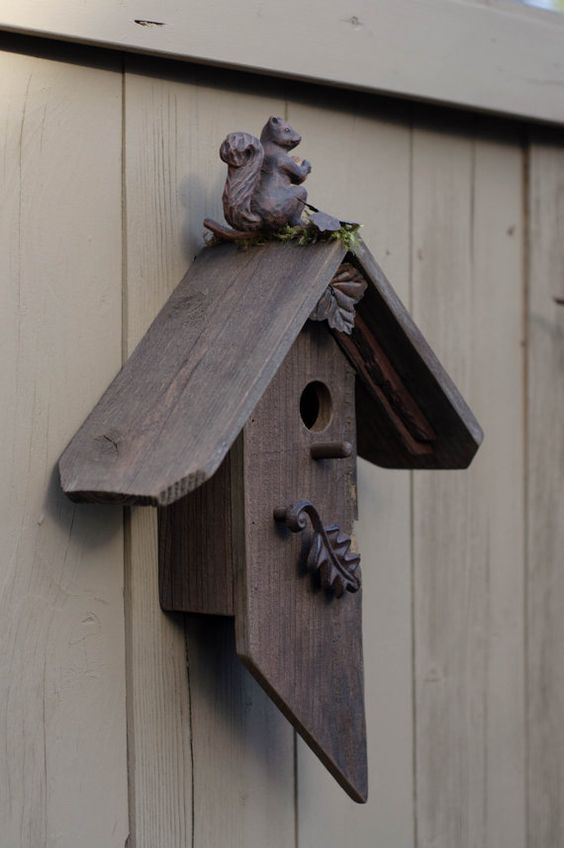 This birdhouse is made from reclaimed barnwood from the Pacific Northwest. It has maintained its natural aged wood finish. This birdhouse is