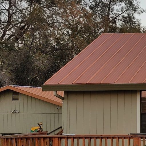 Day 2 Of Asc Copper Penny Metal Roofing Installation The Rafter Color Is A Perfect Match Gutters Still Need To Be Diy Do Cheap Roofing Metal Roof Gutters