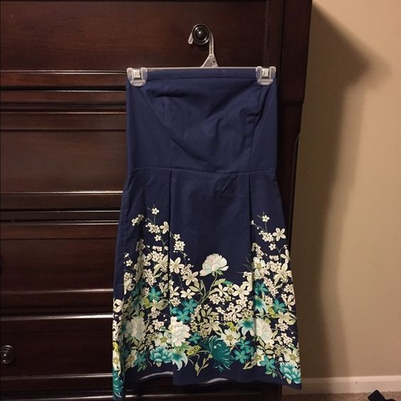 Final Price❤️❤️Strapless old navy dress Strapless dress. New without tags. Final price unless bundled!! ❤️❤️❤️ Old Navy Dresses Strapless