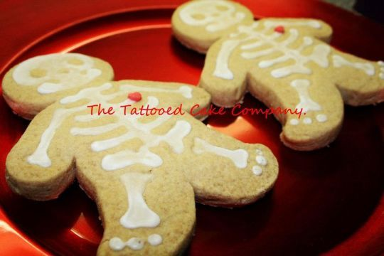 Skeleton cookies with beating hearts