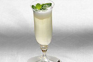 Timeless Venetian Cocktail   In a small bowl, whisk together half cup Prosecco, a splash of vodka and a small scoop of lemon gelato. Pour the mix into a chilled serving glass and garnish with fresh mint.