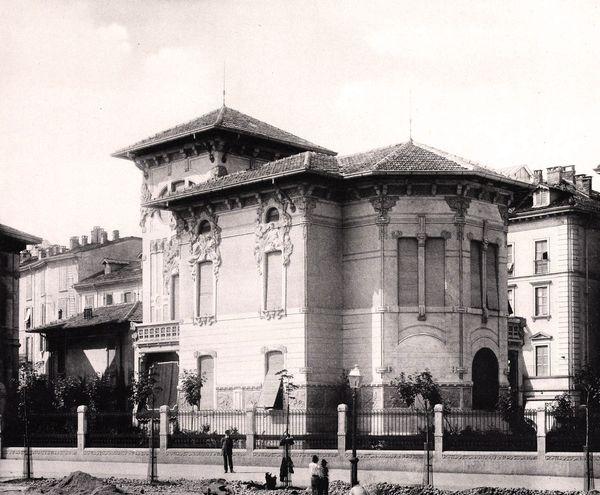 Il Villino Braga in via Principe Umberto (oggi via Turati), fine 800. Scopri di più sul sito www.italialiberty.it