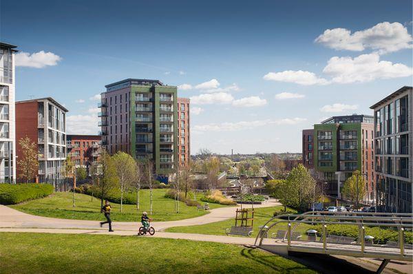 Park Central Birmingham - street furniture from benchmark design.