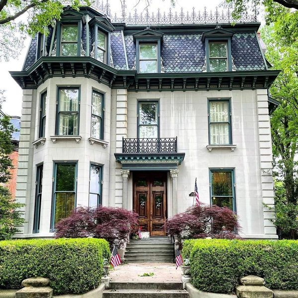 """Historical Homes Of America on Instagram: """"French Second Empire style house in Lafayette Square, St Louis, MO, photo by @mo_homes"""""""