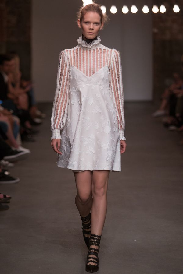 Zimmermann Spring 2016 Ready-to-Wear Collection Ph…
