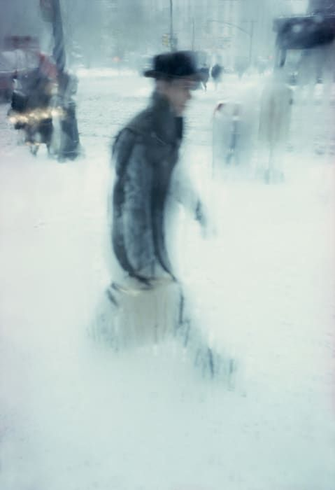 Seeing Beauty In A Cold and Wet New York City With Saul Leiter - Flashbak