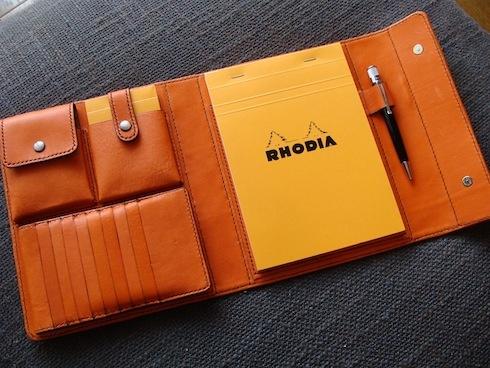 RHODIA(ロディア)で使いたい、手帳やメモ帳、ノート。その活用法やサイズをご紹介。