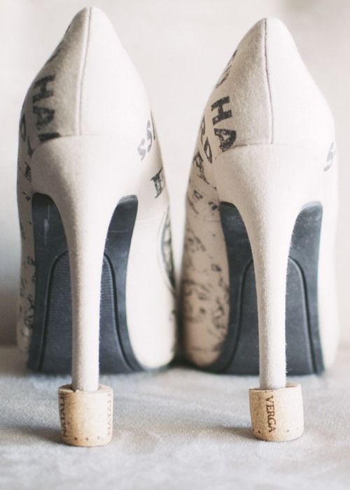 10 minute DIY heel savers for the grass - free DIY or for a cheap bottle of wine! Keep your heels from sinking at weddings and outdoor affairs