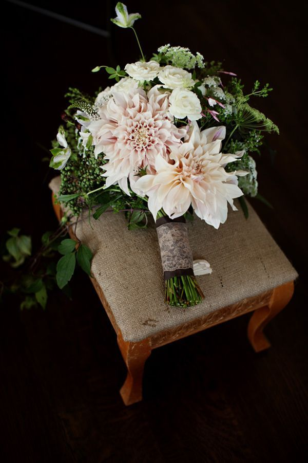 gorgeous fall dahlia bouquet