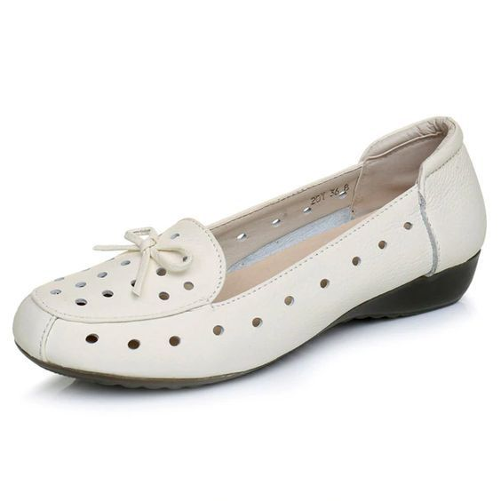 Leather comfortable shoes with small holes shoes