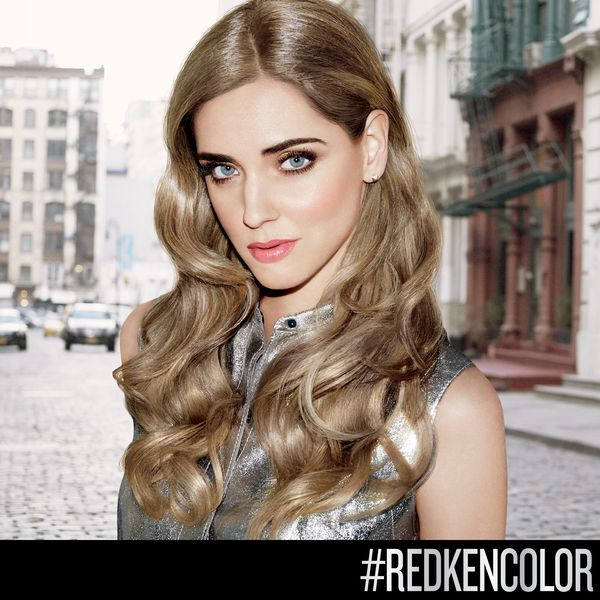 Chiara Ferragni gorgeous cool blonde look with Red…