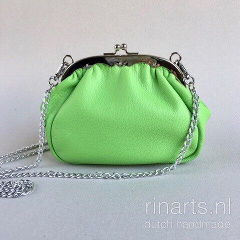 Frame bag / kiss lock purse in apple green leather
