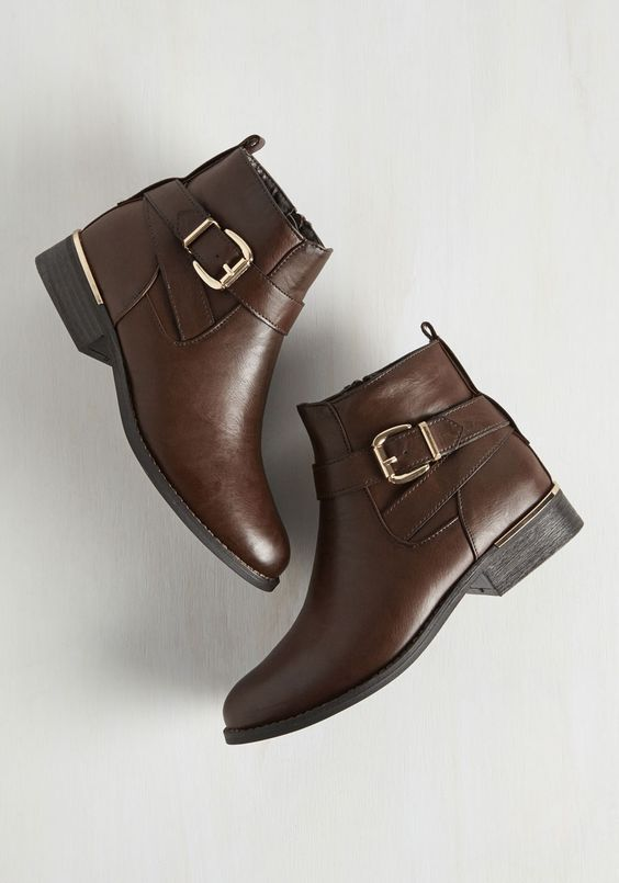 Comfortable short boots for daily wear