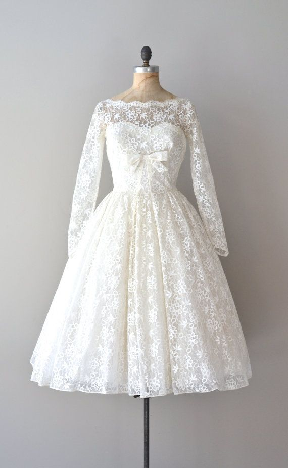 lace 50s wedding dress