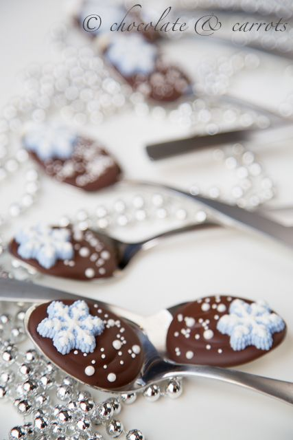Brown | Buraun | Braun | Marrone | Brun | Marrón | Bruin | ブラウン | Colour | Texture | Pattern | Style | Snowflake Chocolate Spoons