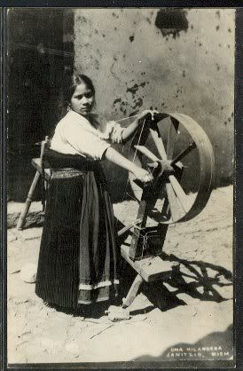 MEXICO: Janitzio Native girl spinning