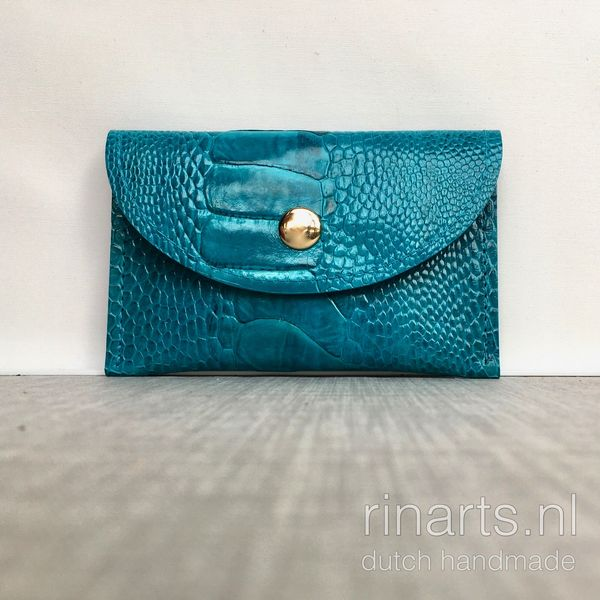 Luxury leather card case in turquoise ostrich leg skin. Beautiful leather cardholder / slim wallet. RinartsAtelier