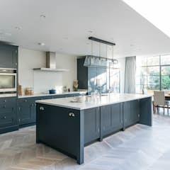 Küche in matt weiß lackiert moderne küchen von herpich & rudorf gmbh + co. kg modern holz-kunststoff-verbund | homify