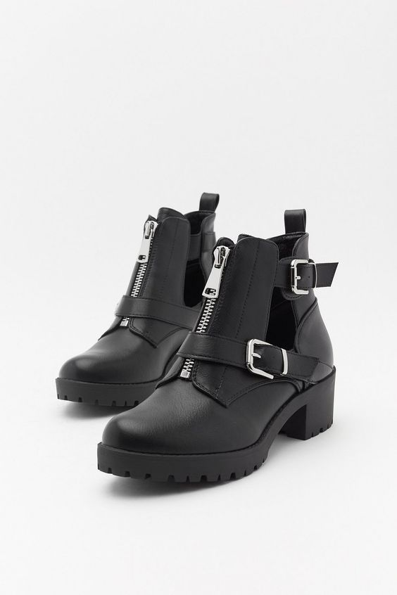Fashionable ankle boots for autumn weather