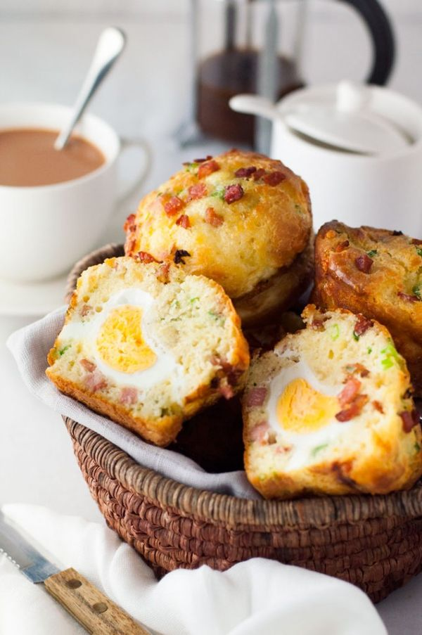 These savory Bacon + Egg Breakfast Muffins look AMAZING.