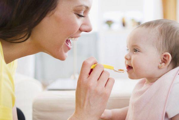 離乳食のお粥はアレンジ自在!10倍粥から卒業の仕方まで大特集♪