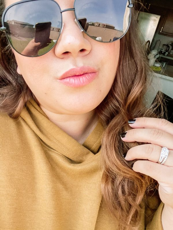 Sharing all the deets on www.asimplepieceofme.com on a pair of Quay Australia High Key dupes from Amazon for only $15. Check out my blog for all the deets! #dupes #sunglasses #fashiondupes #sunnies