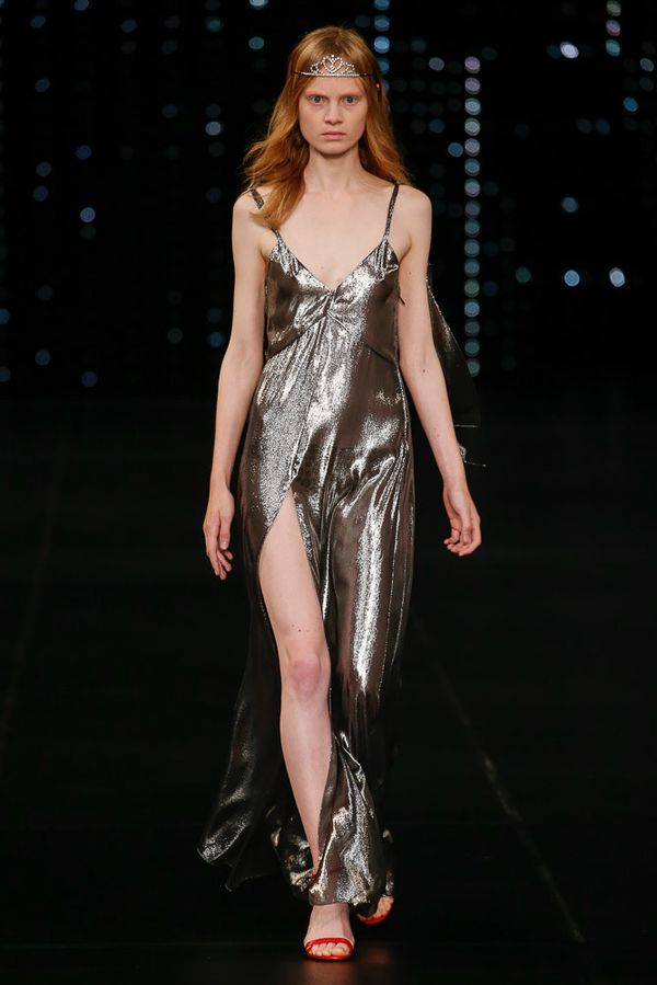 Saint Laurent Spring 2016 Ready-to-Wear Collection…
