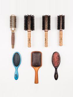 後悔しないヘアブラシの選び方|髪の毛の悩み別におすすめの商品をPick Up!