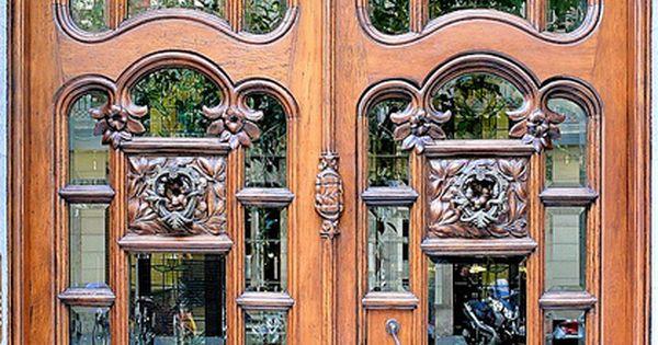 Beautiful Door in Barcelona - so pretty