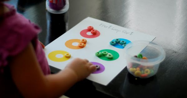 froot loop sorting- Great addition to my color activities. Who can resist