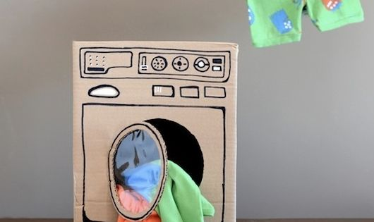 15 toys to make with a cardboard box. (Since we all know