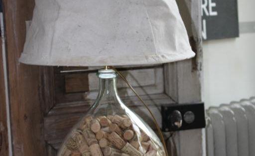 meuble relook lampe dame jeanne lampes de chevet de salon industriel et meubles de m tier. Black Bedroom Furniture Sets. Home Design Ideas
