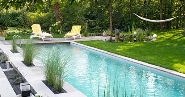 30 breathtaking natural swimming pools by biotop natural for Gartengestaltung gartenhaus