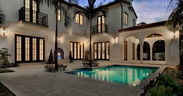 Houzz Home Design Decorating And Remodeling Ideas And Inspiration Kitchen And Bathroom De Mediterranean Homes Spanish Style Homes Mediterranean Style Homes