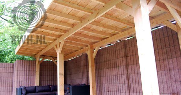 Overkapping van lariks douglas hout van gadero gebruikte staanders zijn 15x15 cm dik de balken - Tub onder dak ...