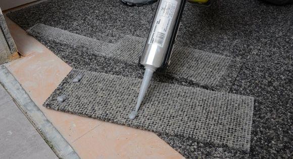 Marmorbad Mal Anders Wir Zeigen Wie Du Dein Bad Mit Bodenplatten Aus Marmorkies Ganz Einfach Aufwertest Marmorkies Marmorbad Bodenplatten