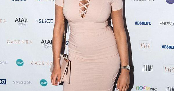 ... Her 60s Style In A Stripy Retro Dress | newhairstylesformen2014.com