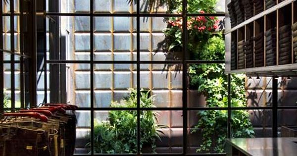 replay by vertical garden design and studio 10 vertical